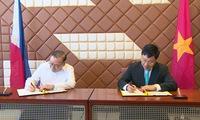 Vietnam, Philippines discuss ways to deepen, broaden strategic partnership