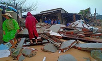 Three houses collapse due to flood tides