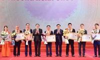 Hanoi honours oustanding enterprises and entrepreneurs