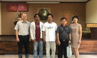 Vietnamese Embassy in Thailand receives two rescued fishermen