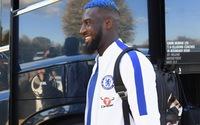 """Chiều fan, sao Chelsea xuất hiện với mái đầu cực """"dị"""""""