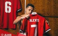 """""""Phản đồ"""" Sanchez bị sao Arsenal bóng gió mỉa mai trên Twitter"""