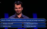 Phân vân câu hỏi cuối cùng, thầy giáo từ bỏ cơ hội lĩnh 1 triệu bảng trong chương trình Ai là triệu phú