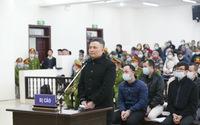 """Hàng trăm người bị hại đến dự phiên tòa xét xử """"trùm đa cấp"""" Liên Kết Việt"""