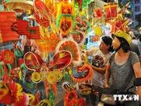 Rực rỡ sắc màu 'Phố Lồng đèn' tại TP Hồ Chí Minh