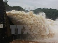 Xả lũ hồ chứa số 1 thủy điện Tuyên Quang
