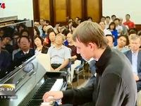 Lắng đọng đêm nhạc kỷ niệm Cách mạng tháng Mười Nga