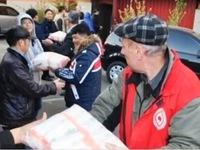 Người Việt tại Odessa trao hàng cứu trợ cho Hội Chữ thập đỏ Ukraine