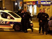 Tấn công khủng bố đẫm máu ở Paris Pháp: Súng AK-47 ở đâu ra?