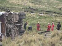 Peru: Xe bus lao xuống đầm, 11 người thiệt mạng
