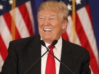 Bị tố trốn thuế, Donald Trump vẫn được bênh vực!