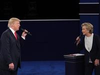 Donald Trump hay Hillary Clinton sẽ là tân Tổng thống Mỹ?