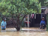 Nước lũ lên nhanh tại Hà Tĩnh