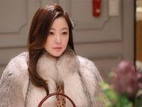 Kim Hee Sun cực sang trọng trong phim mới
