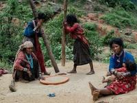 Những bức ảnh về bộ lạc người rừng cuối cùng trên thế giới