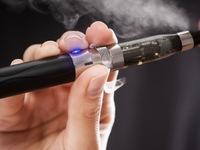 FDA sẽ siết chặt hoạt động mua bán thuốc lá điện tử