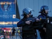 Chính phủ Pháp kêu gọi kéo dài tình trạng khẩn cấp