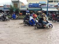 Nhiều tuyến đường nội đô Cần Thơ ngập nặng