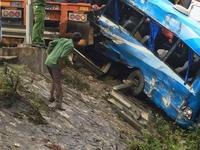 Tai nạn ô tô liên hoàn ở Hòa Bình, 4 người thương vong