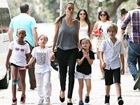 FBI đến thăm nhà Angelina Jolie
