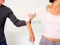 Những dấu hiệu cho thấy bạn bị bạo lực trong tình yêu