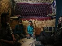 Cuộc sống dưới những đường hầm tránh bom tại Syria