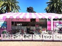Xe bán cafe lưu động phong cách Hello Kitty gây sốt tại Mỹ