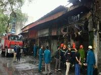 Cháy lớn thiêu rụi 6 ki-ốt ở Tây Mỗ, Hà Nội