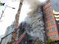 Thiệt hại vụ cháy quán karaoke ở phố Trần Thái Tông lớn chưa từng có