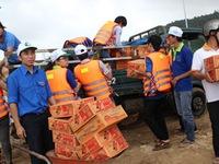 Cộng đồng chung tay cứu trợ người dân vùng lũ