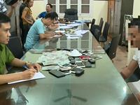 Tạm giữ hình sự 30 đối tượng đánh bạc bằng hình thức xóc đĩa tại Hà Nội