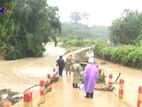 Giao thông miền núi Quảng Nam tê liệt do mưa lũ