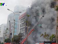 Cháy lớn tại Trần Thái Tông, nhiều người bị kẹt