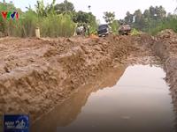 Phú Thọ: Đường xuống cấp nghiêm trọng, người dân bị cô lập