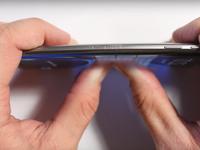 """Galaxy S7 Edge có thể """"sống sót"""" sau bài kiểm tra bẻ cong?"""