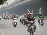 Cấm xe máy, bạn sẽ đi bằng phương tiện gì?
