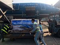 Vận chuyển khẩn cấp 30 tấn lương khô cứu trợ vùng lũ