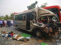 Xe khách đâm xe tải trên đèo Bảo Lộc, 6 người thương vong