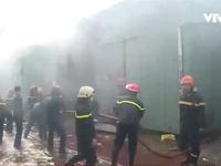 TP.HCM: Cháy cơ sở vàng mã, 10 nhà dân bị ảnh hưởng