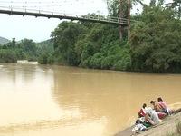Người dân Khánh Hòa phải sử dụng nước suối ô nhiễm