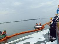 Quảng Nam diễn tập xử lý sự cố tràn dầu trên biển