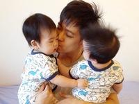 Lâm Chí Dĩnh khoe hai con trai xinh như thiên thần
