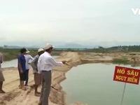 Quảng Ngãi: Khu dân cư biến thành 'ốc đảo' vì nạn khai thác cát