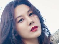 Gần 40 tuổi, Kim Ha Neul vẫn đầy quyến rũ