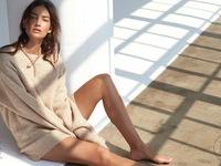 """Chân dài Victoria""""s Secret khoe vẻ đẹp ngọt ngào và phóng khoáng"""