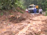 Mưa lớn gây sạt lở nghiêm trọng tại Nam Trà My, Quảng Nam