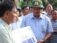 Bộ Thông tin Truyền thông cứu trợ người dân vùng lũ miền Trung