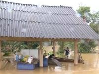 Vẫn còn nhiều xã ở Hà Tĩnh bị cô lập do mưa lũ