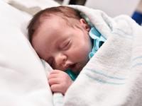 Kỳ diệu bé gái được sinh ra 2 lần