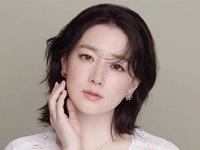 Lee Young Ae đẹp tựa nữ thần trong bộ ảnh mới